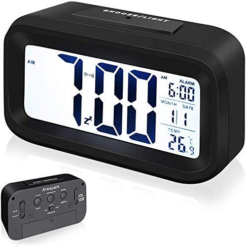 Arespark Sveglia Digitale, Sveglia Elettronica con Luce Notturna, Display a LCD da 5,3 Pollici con Funzione Ora Data Temperatura, Funzione Snooze, Nero (Superficie in Gomma)