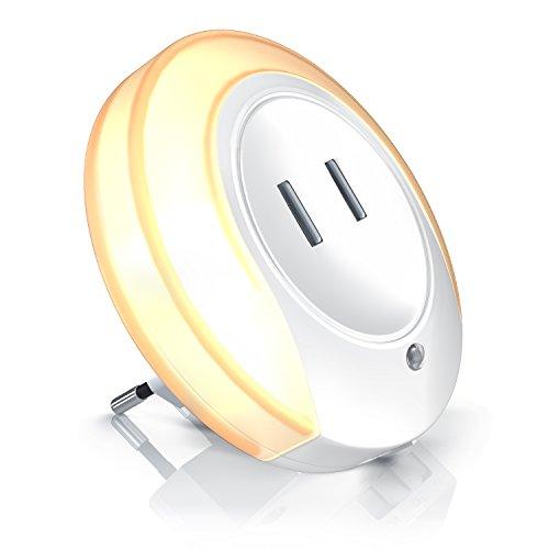 Bearware - Luce notturna LED e 2 x USB per carica - Alimentatore a 2 porte USB con luce di orientamento a 220V - Sensore crepuscolare integrato