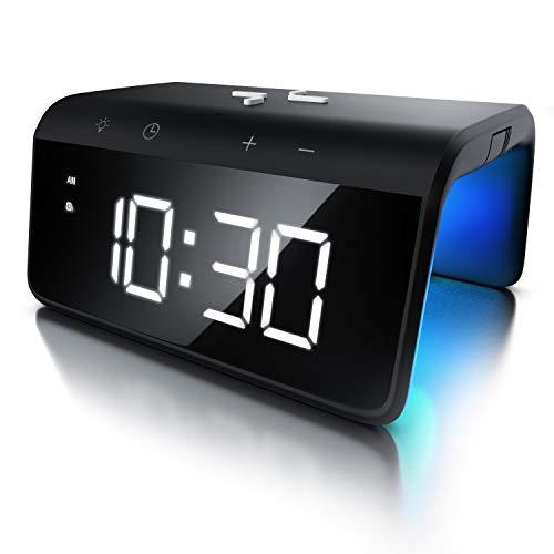 Bearware - Sveglia digitale con caricatore senza fili per smartphone – Tecnologia induzione Qi 10W – 2 Allarmi -Grande display a LED bianchi - 8 colori LED ambiente - Wireless Charge