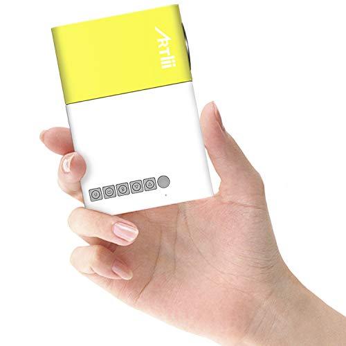 Mini Proiettore Portatile - Artlii Pocket Videoproiettore da Esterno, Perfetto per I Regali dei Bambini, Android, iPhone, PC, con AV / VGA / USB / HDMI