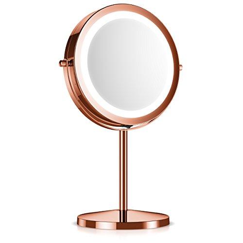 Navaris Specchio ingrandente con Luce LED - Specchio Luminoso 5:1 ingrandimento x5 specchietto Girevole per Il Trucco da appoggio Luce Integrata Rame