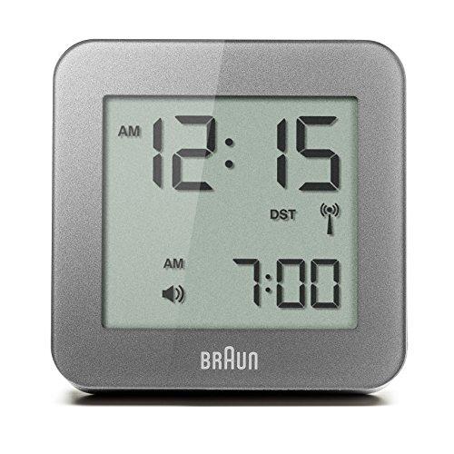 Orologio Sveglia Digitale a Radiocontrollo Multiregionale Braun con Funzione Snooze, Display LCD Positivo, Funzione Quick Set, Segnale Acustico della Sveglia, in Grigio, modello BNC009GY-RC.