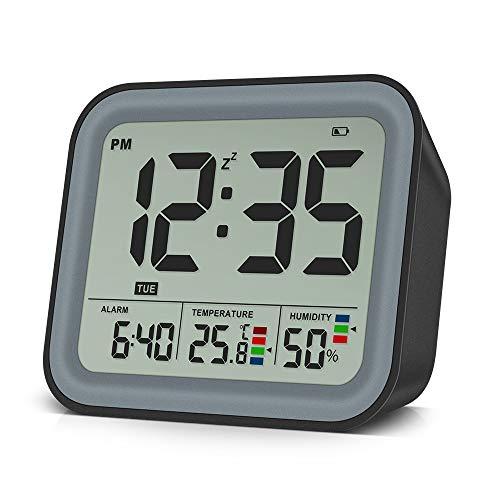 VEEAPE Sveglia Digitale Con doppia sveglia, Orologio da viaggio portatile, Umidità / Temperatura, Funzione Snooze, Data, 12/24 ore, LED Dimmerabile, Prefetto per viaggi in ufficio in camera da letto
