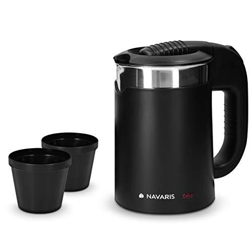 Navaris Mini Bollitore Acqua da Viaggio 0,5L - Boiler Piccolo Elettrico Portatile in Acciaio Inox 16x11x17cm - 1100 Watt con 2 Tazze Camping - Nero